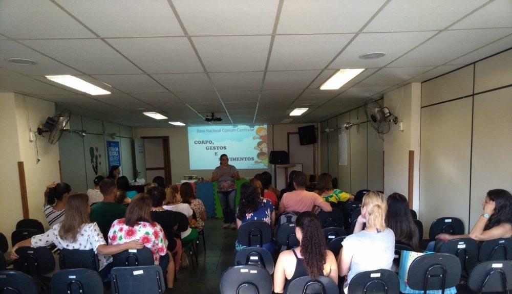 Secretaria Municipal de Educação promove Workshop para professores da Educação Infantil